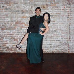Dresses & Skirts - Green prom dress